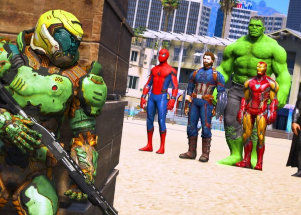 GTA 5 - Beach Battle - The Avengers VS Doomguy - Superheroes VS Devil Hunter